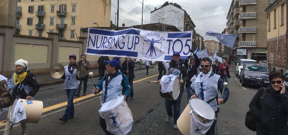 Sanità, Nursing Up: traffico in tilt a Torino per la manifestazione degli infermieri. De Palma