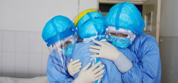 De Palma: «Focolaio in atto al Santobono di Napoli nel reparto di oncologia. Già 4 gli infermieri contagiati nelle ultime ore»