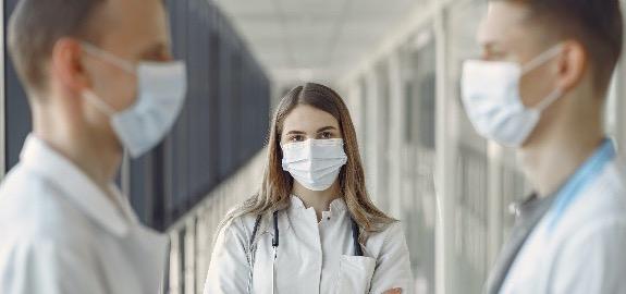 De Palma: «L'indennità professionale infermieristica in busta paga è una svolta epocale, ma 100 euro rimangono un aumento misero»