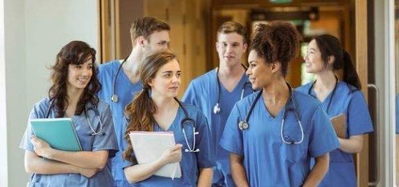 De Palma: «Scabrose testimonianze degli studenti di infermieristica in Campania. Da mesi senza possibilità di un tirocinio negli ospedali»