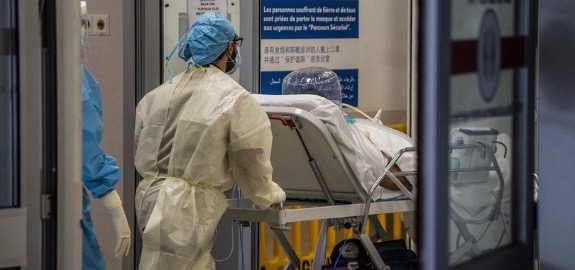 Negli ospedali italiani continuano le aggressioni a infermieri e medici