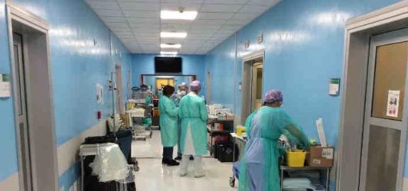 La stampa estera riprende la denuncia del nostro sindacato sul caso dell'infermiere diabetico già vaccinato, infettato e in fin di vita a Palermo